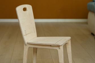 Удобный детский стул из фанеры
